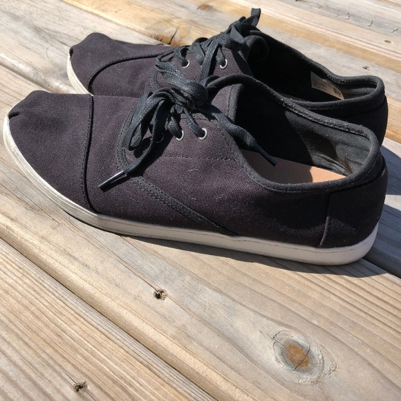 Toms Other - Toms size 10 Black Canvas Shoes Lace Up Sneakers